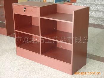 包装方式拆装 商品详情 型号:s3类型: 收银台材料: 密度板表面贴