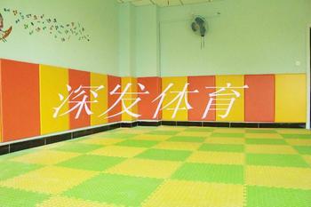 供应幼儿园安全护墙软垫