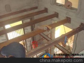 苏州槽钢吊阁楼,钢结构楼梯踏步,室外钢结构楼梯搭建