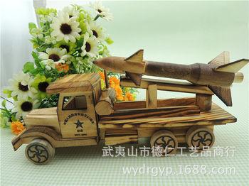 新款特色木制儿童玩具车 火箭车军事模型车纯手工制作