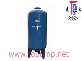 橡胶隔膜把水室和气室完全隔开,当外界有压力的 水充入隔膜式气压水罐图片